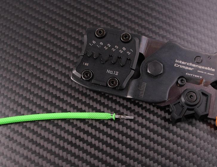 スリーブを電線被覆を一緒に圧着(AWG16)、その5