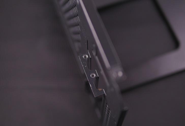 PCケース、PCI固定ネジ、その1