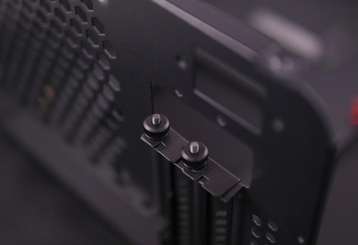 PCケース、PCI固定ネジ、その3