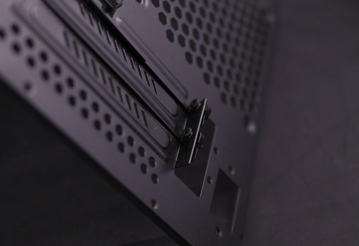 PCケース、PCI固定ネジ、その4