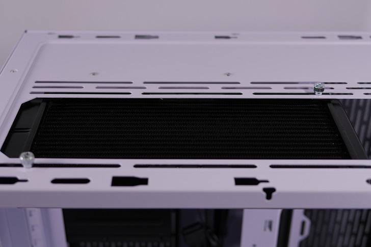 Lian-Li O11 Dynamicに240mmラジエターを取り付け、その1