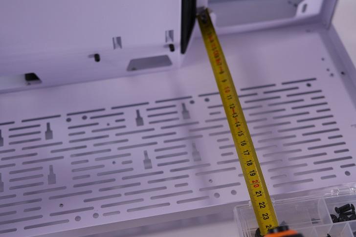 Lian-Li O11 Dynamic内部サイズ、その2