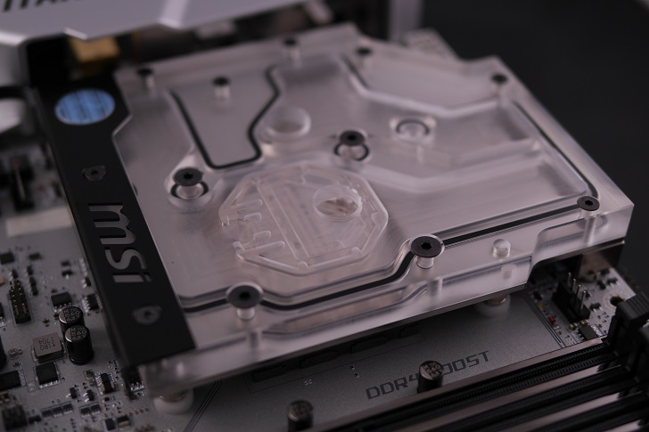 EK Water Blocks EK-FB MSI X370 XPower RGB取り付け後