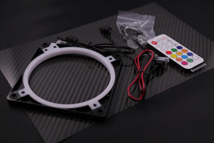 EASYDIY RGB LEDファンフレーム 120mmファン用 コントローラ付き開封、その2