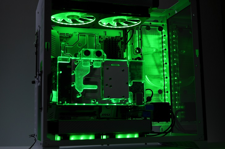 LIAN LI O11 Dynamicを使った水冷パソコンを光らせる、その7