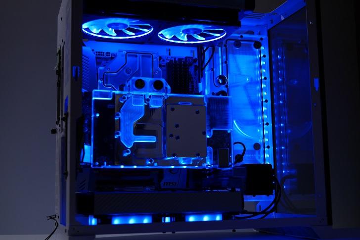 LIAN LI O11 Dynamicを使った水冷パソコンを光らせる、その8