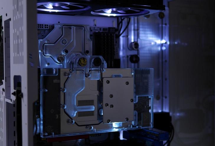 LIAN LI O11 Dynamicを使った水冷パソコンを光らせる、その10