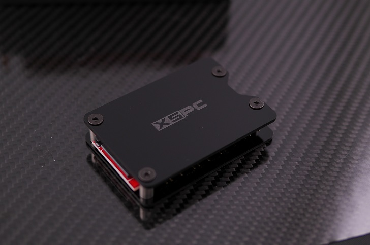 XSPC 8Way,3Pin,5V,Addressable RGB Splitter Hub本体、その1