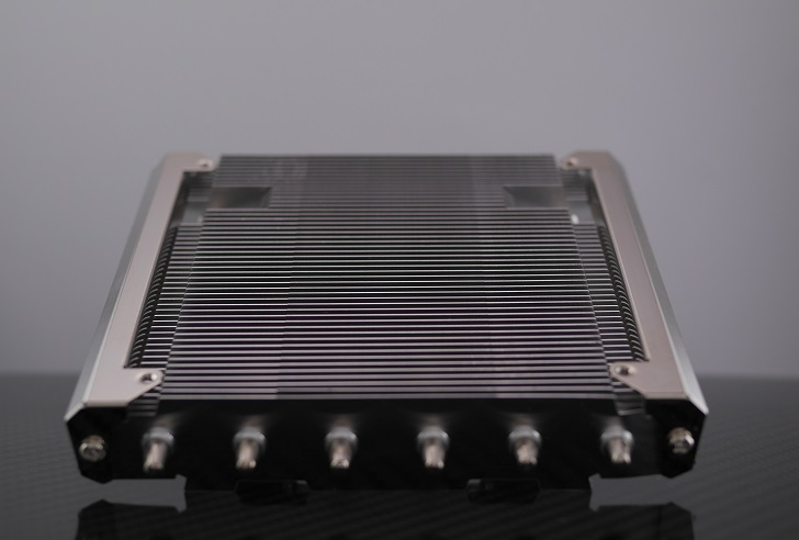 Thermalright AXP-200 Muscle本体、その1