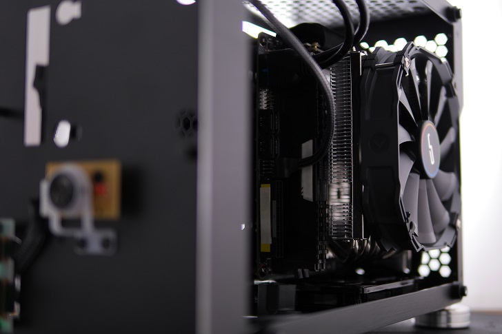 Thermalright AXP-200 MuscleをB450I AORUS PRO WIFIに取り付け、その7