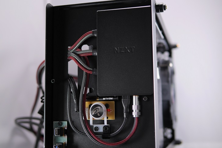NZXT GRID+ V3装着、その1