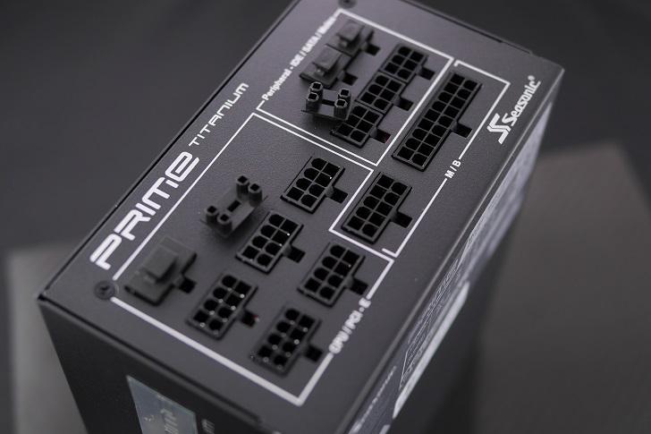 Ainex コネクタカバープラグイン電源用DC-021を電源に装着!