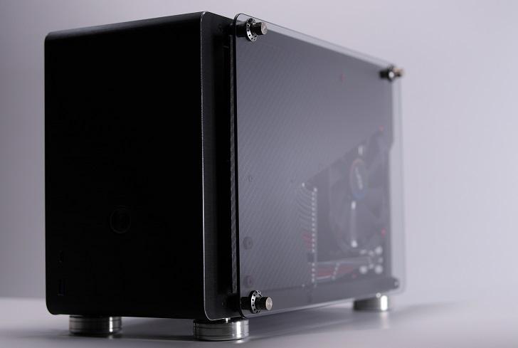 メカちゃんパソコンにカーボンパネル装着、その6