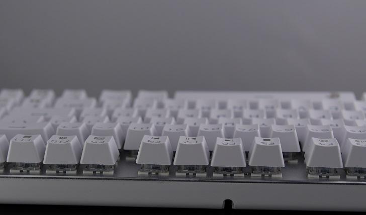 e元素メカニカル式ゲーミングキーボード(白)本体、その6