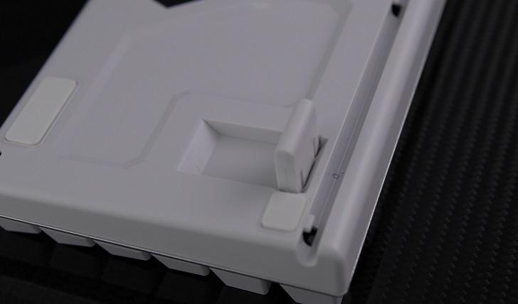 e元素メカニカル式ゲーミングキーボード(白)本体、その7
