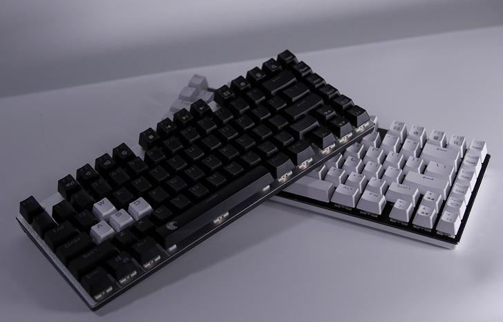e元素メカニカル式ゲーミングキーボード、白と黒、その1