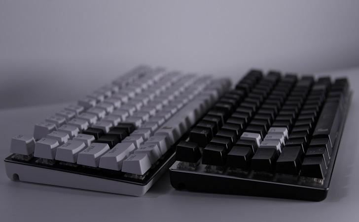 e元素メカニカル式ゲーミングキーボード、白と黒、その3