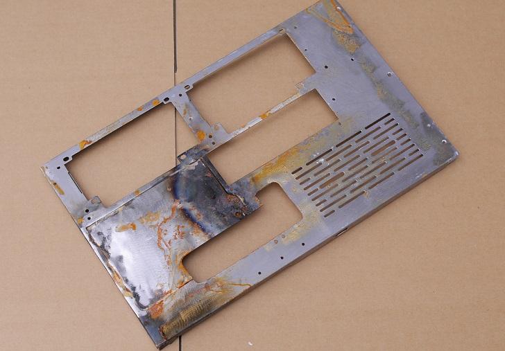 LIAN LI O11 Dynamicのパネル、錆びちゃった?その1