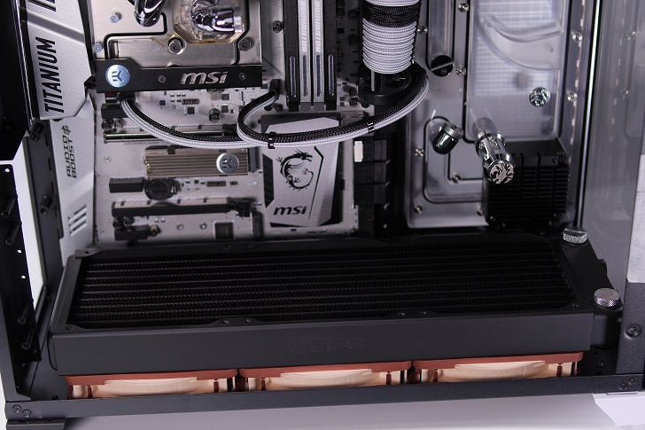 noctua NF-A12x25を水冷パソコンに取り付け