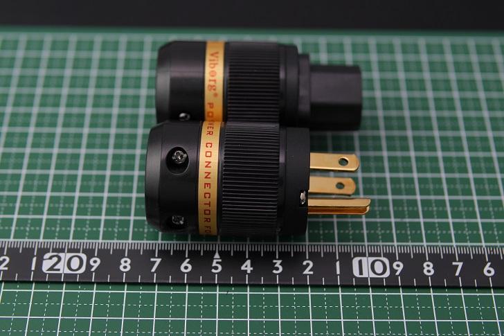 ヴィボー オーディオ純銅 24K金メッキ電源プラグ+インレットプラグのサイズ