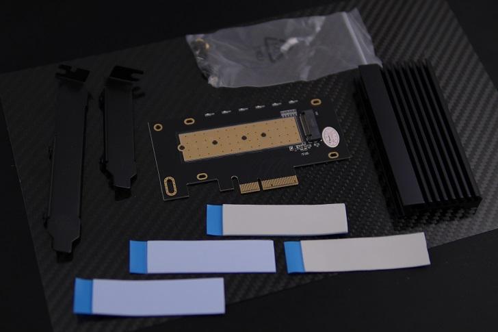 AINEX AIF-08 M.2 SSD変換PCIeカード付属品、その1