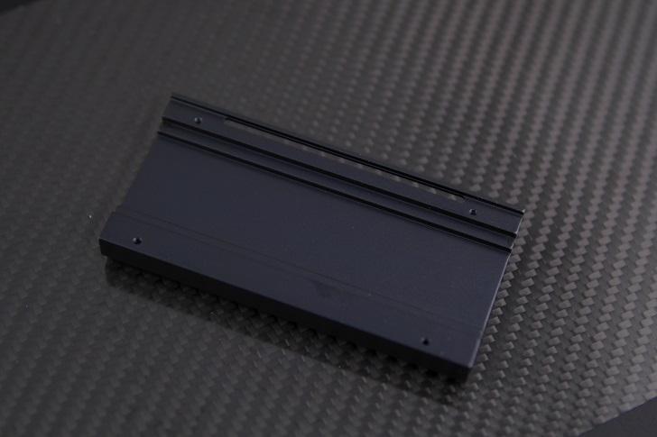 AINEX AIF-08 M.2 SSD変換PCIeカード付属品、その3