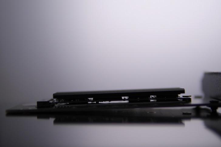 CFD PG2VNをAINEX AIF-08 M.2 SSD変換PCIeカードに取り付け
