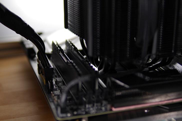 CFD W4U2666CX1-16G×2でマザボ取り付け具合、その1
