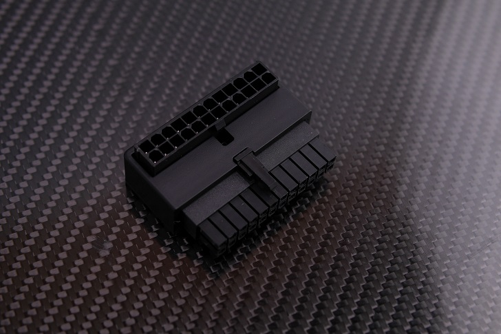 Cooler Master ATX 24PIN 90度 Adapter 90度変換アダプタ本体、その2